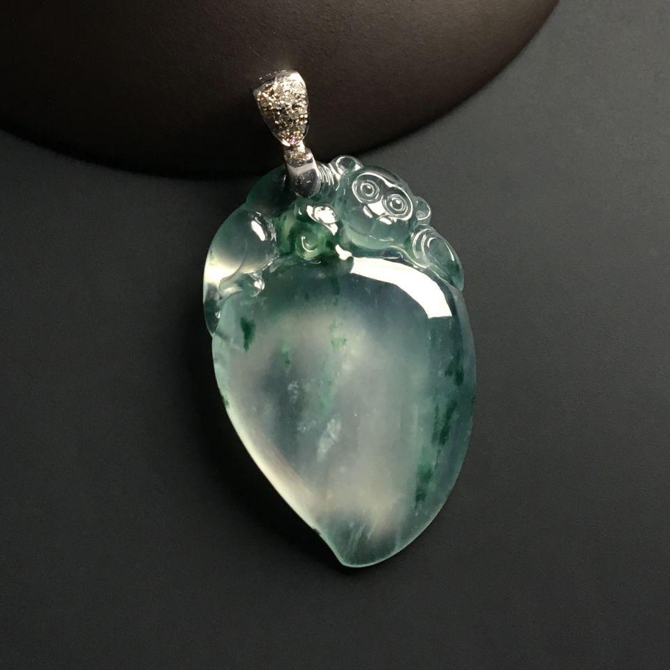 玻璃种翡翠有什么特别之处 什么是玻璃种翡翠