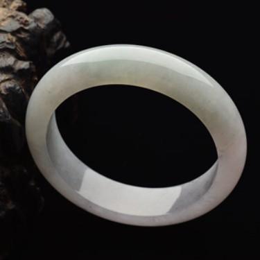 糯冰种淡晴水手镯(55.5mm)