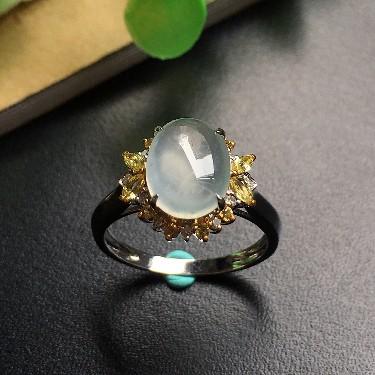 镶白18K金钻石冰种蛋面戒指
