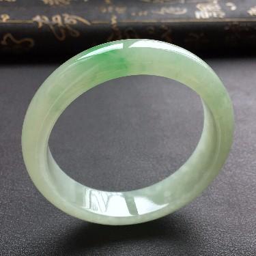 (超值推荐)糯冰种飘翠手镯(56.6mm)
