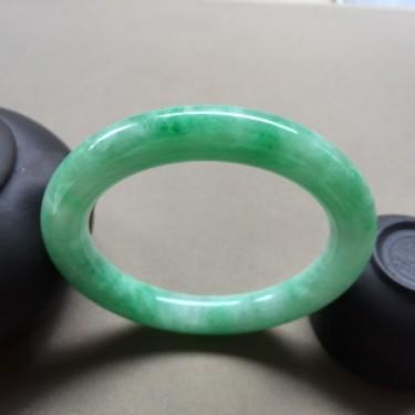 细糯种豆绿圆条手镯 56mm
