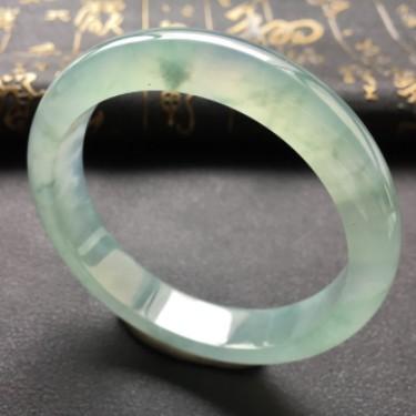 (超值推荐)糯冰种晴水手镯62.3mm