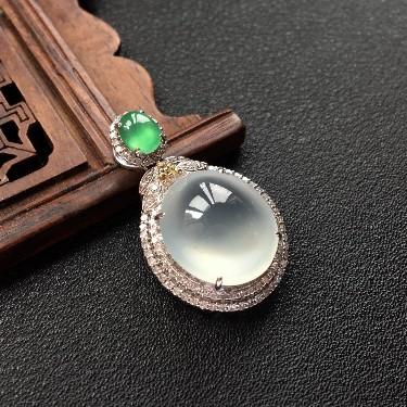 (超值推荐)冰种镶白金钻石鸽子蛋吊坠