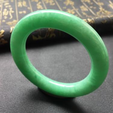 (超值推荐)细糯种豆色圆条手镯57.3mm