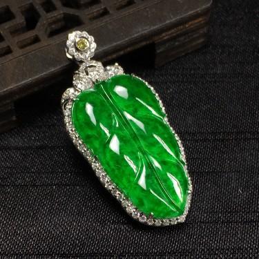 镶白18k金钻石冰种辣绿树叶胸坠