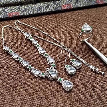 (超值推荐)冰玻种无色镶白金钻石葫芦晚装链/戒指/耳坠套装