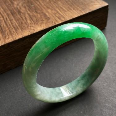 (超值推荐)细糯种飘阳绿手镯57.5mm