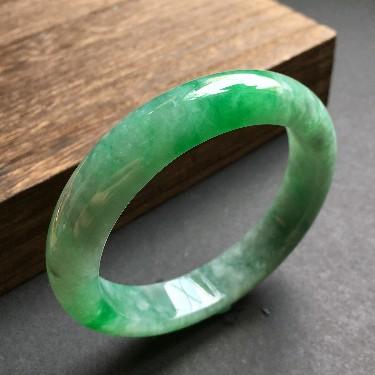 (超值推荐)细糯种飘阳绿手镯58.3mm
