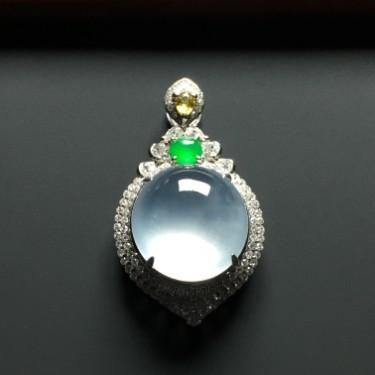 (超值推荐)冰种镶白金钻石胸坠翡翠