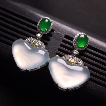 (超值推荐)冰玻种无色镶白金钻石耳环翡翠
