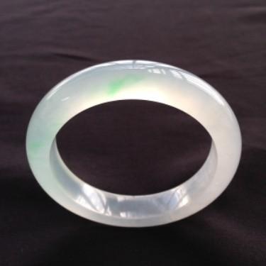 冰玻种飘翠手镯(56.3mm)翡翠