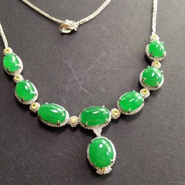 (超值推荐)冰种满绿镶白金钻石项链翡翠