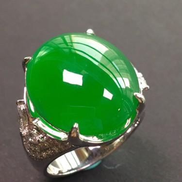 冰种阳绿镶白金钻石戒指翡翠