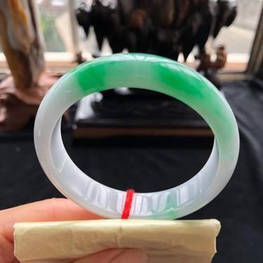 糯冰种翠色手镯(56.8mm)翡翠