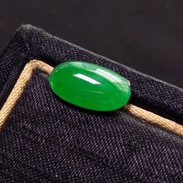 冰种阳绿戒面翡翠