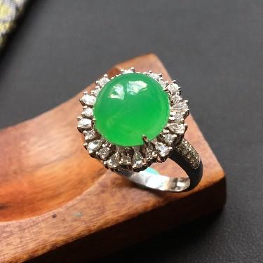 冰种翠色镶白金钻石戒指翡翠