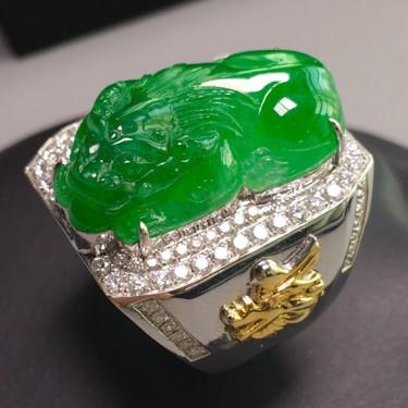 冰种阳绿镶彩金钻石貔貅戒指翡翠