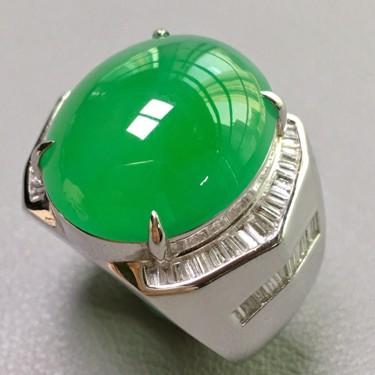 冰种满绿镶白金钻石戒指翡翠