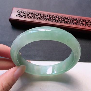 翡翠糯冰种浅绿正圈手镯56mm