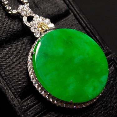 冰种满绿镶白金钻石平安扣胸坠翡翠