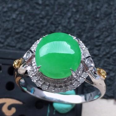 翡翠17圈口18k金伴鉆鑲嵌細糯種滿綠蛋面戒指