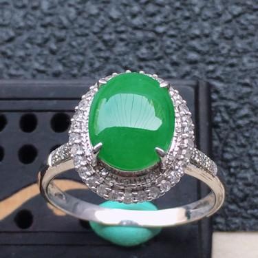 翡翠17圈口18k金伴钻镶嵌糯冰种满绿蛋面戒指