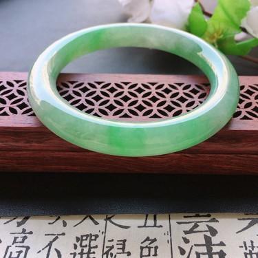 翡翠細糯種淡綠圓條手鐲53mm