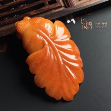 细糯种红翡年年有余挂件翡翠