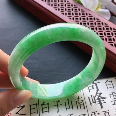 翡翠細糯種豆綠正圈手鐲55mm