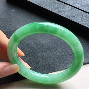 缅甸翡翠细糯种果绿圆条手镯53mm