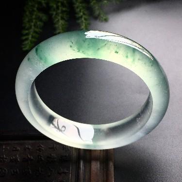 冰玻种飘绿花手镯(56.5mm)翡翠