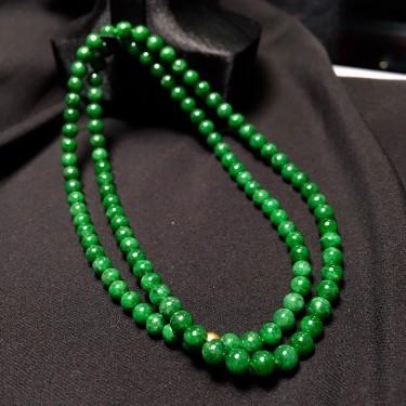 糯冰种满绿珠串翡翠
