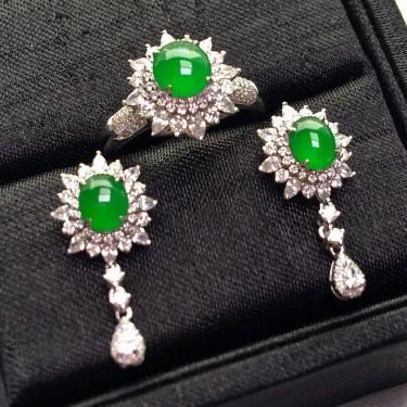冰种阳绿镶白金钻石戒指/耳坠一套翡翠