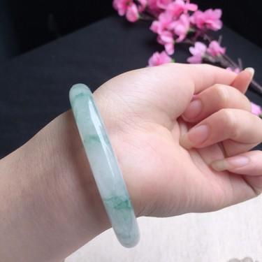 翡翠冰种飘花正圈手镯54mm
