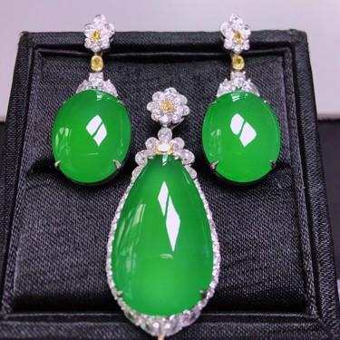 冰种绿晴水镶白金钻石胸坠/耳坠(一套)翡翠