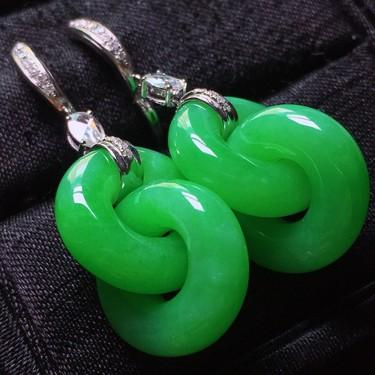 糯冰种满绿镶白金钻石平安环耳环 翡翠