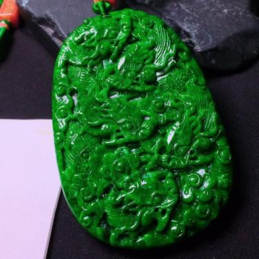 细糯种满绿九龙挂件翡翠