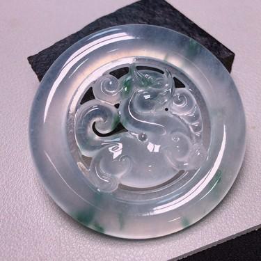 冰种飘花貔貅挂件翡翠