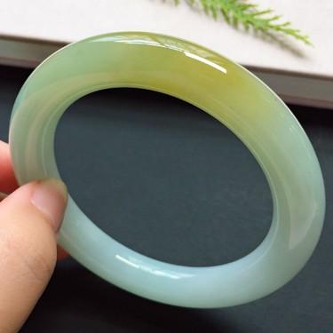 圆条57mm,糯冰种飘黄翡手镯