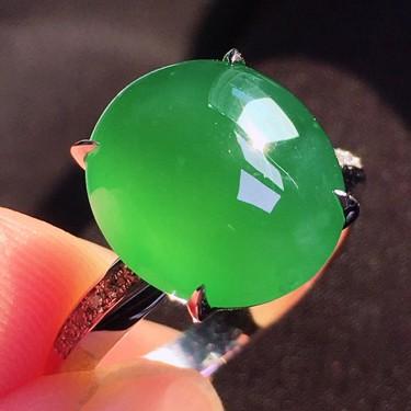冰種蘋果綠鑲白金鉆石戒指翡翠