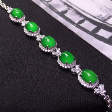冰玻种满绿镶白金钻石手链翡翠