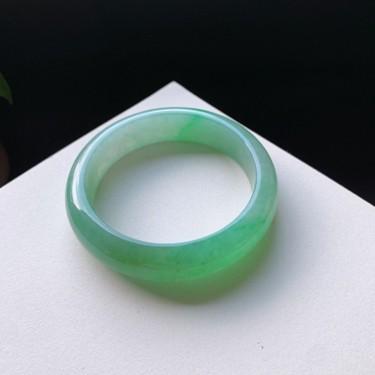 冰糯种翠绿正圈手镯56mm