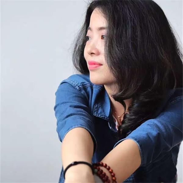 奈莎珠宝的设计师张木华