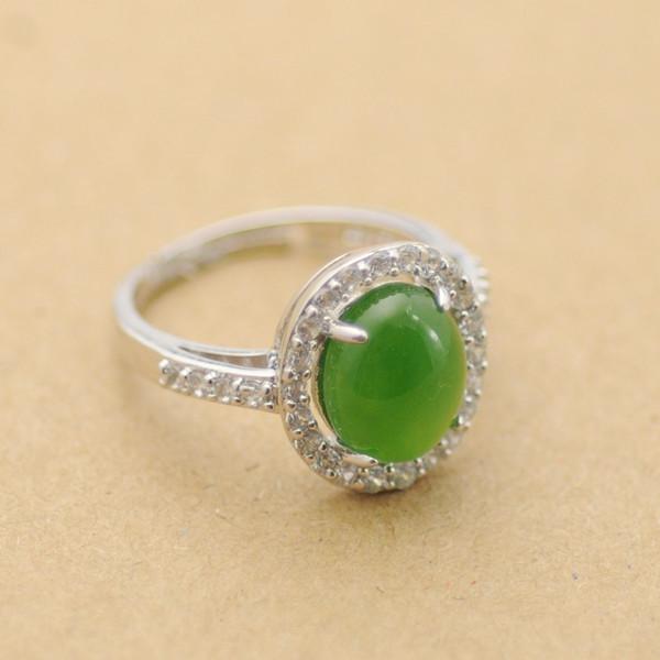 和田玉镶银戒指