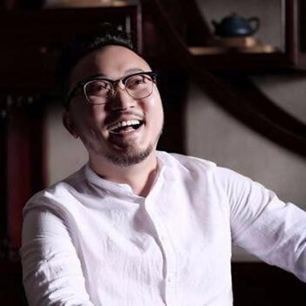著名苏派玉雕艺术家李卓