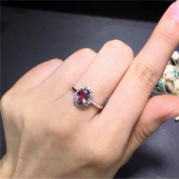 18k金镶天然尖晶石戒指