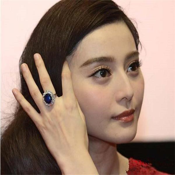 """""""范爷""""指间的托帕石戒指"""