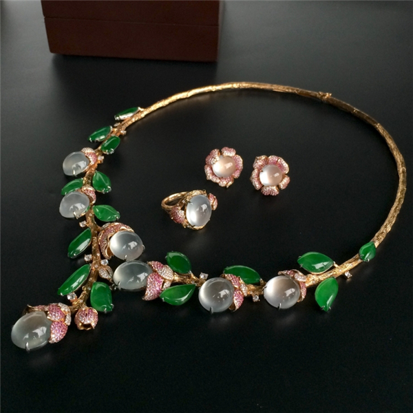 冰玻种/冰种淡晴水/阳绿镶玫瑰金钻石绚烂如花项链