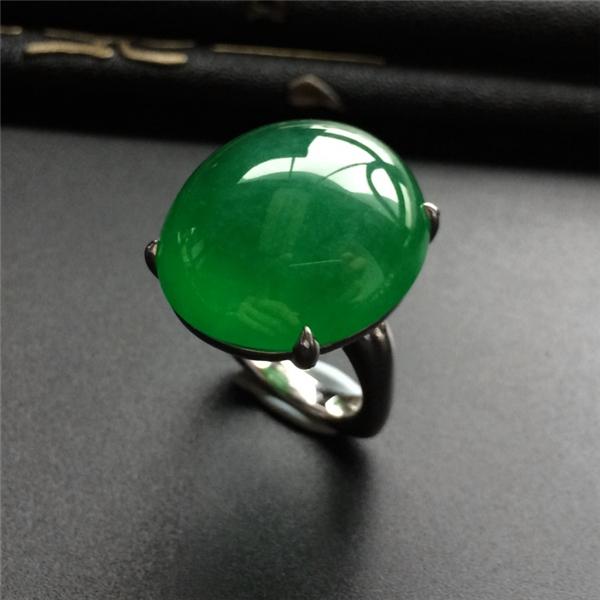 冰种阳绿镶白金戒指