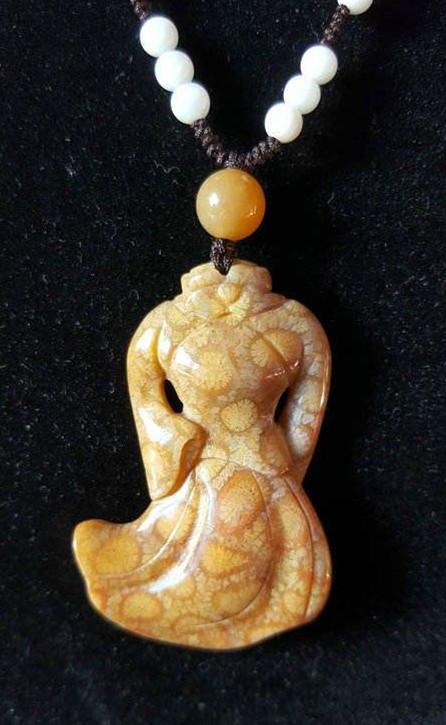 珊瑚玉项链